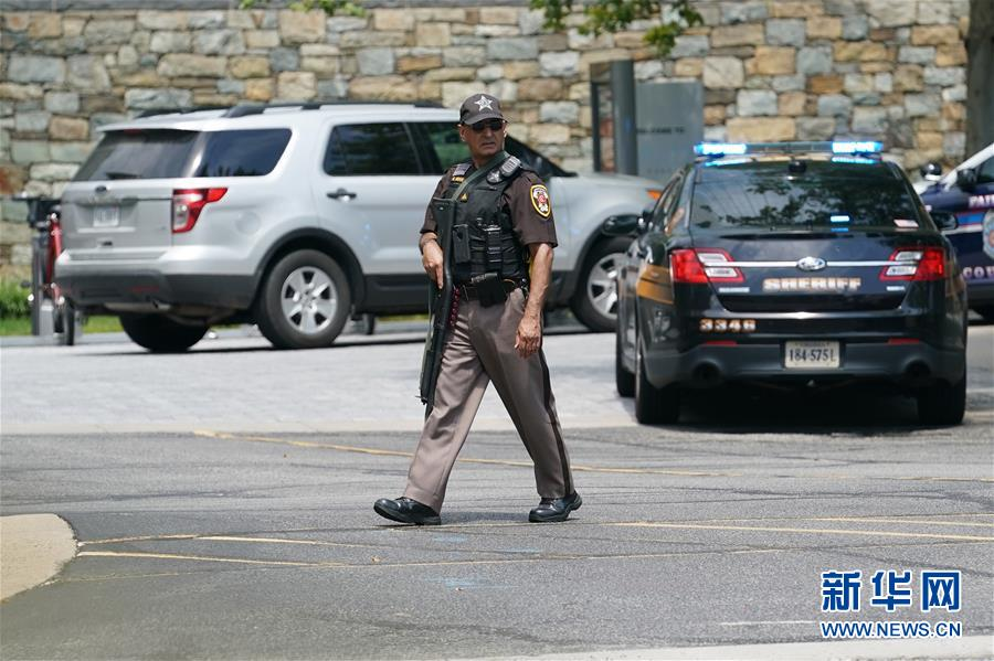 (国际)(1)美国警方说尚未在《今日美国报》总部大楼内发现报警所称持枪男子