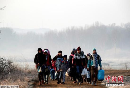 土耳其允许大批难民前往欧盟边境_德国强调2015年难民危机不会重演
